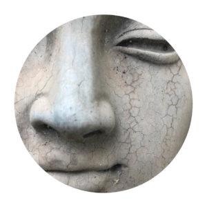 Statue sourire